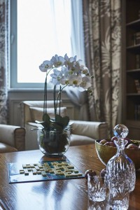 eclectic chic apartment-1